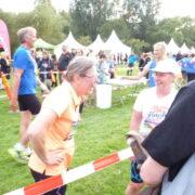 Random image: Två nöjda löpare